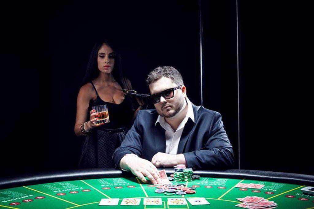 Онлайн тренировки для новых и опытных игроков в покер